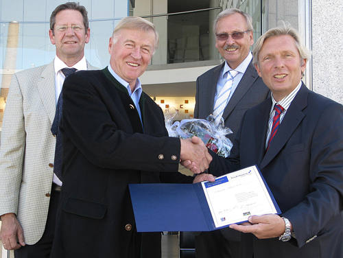 TUDM-Lindner-gratulation